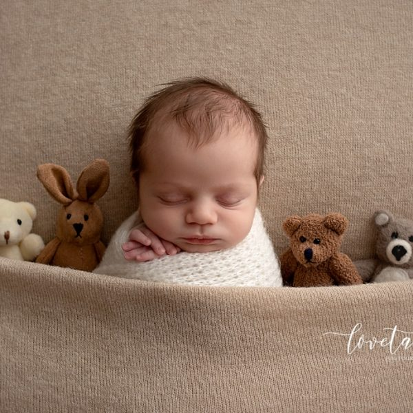 sunbury newborn photographer